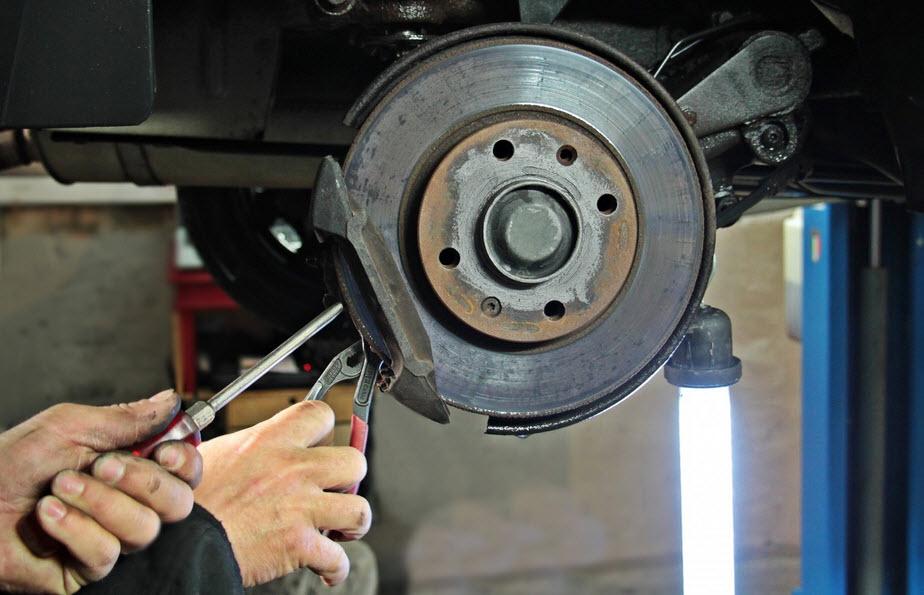 Le changement et la réparation des disques de freins chez Aurel automobile