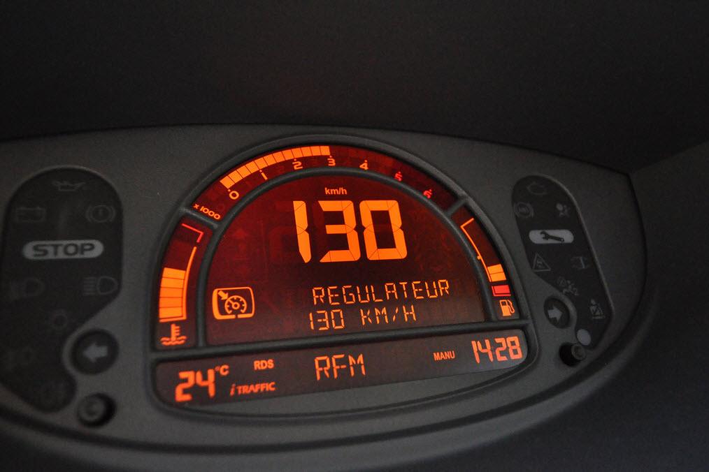 Régulateur de vitesse : aide à la conduite