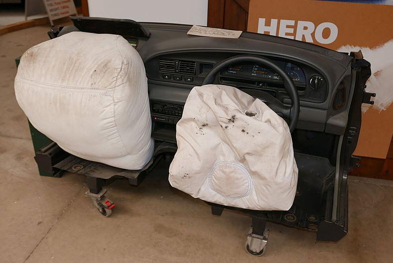 Boîtier Airbag : composants, mode de fonctionnement et reprogrammation