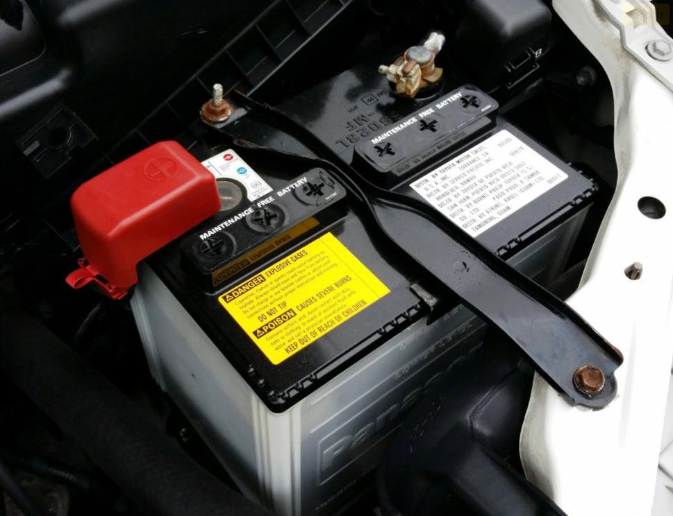 8 causes d'une batterie voiture qui se décharge vite