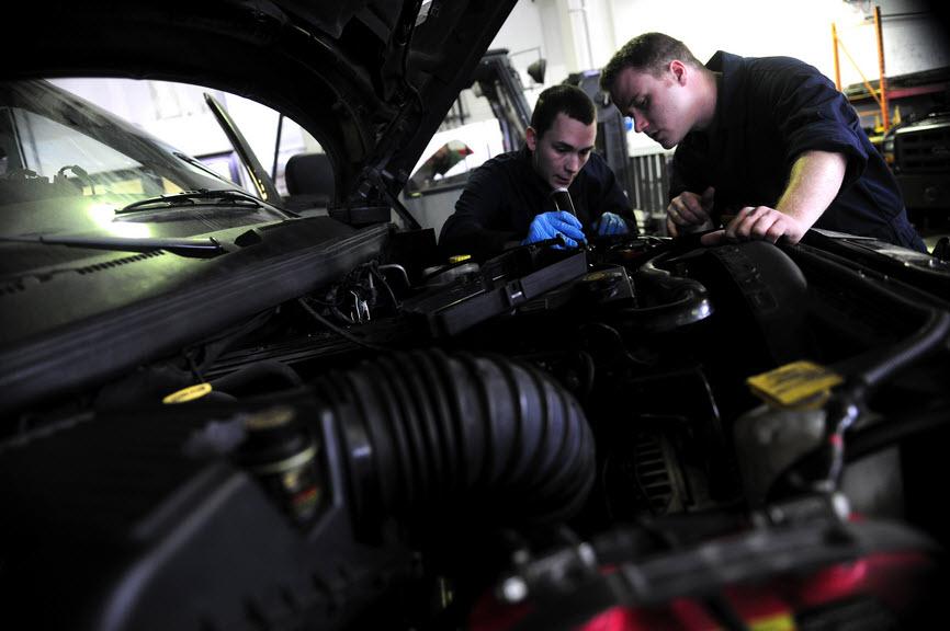 Confiez votre reparation electronique voiture à Aurel Automobile